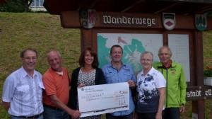 Mitarbeiterspende der Sparkasse Lörrach-Rheinfelden an den Schwarzwaldverein Schwörstadt